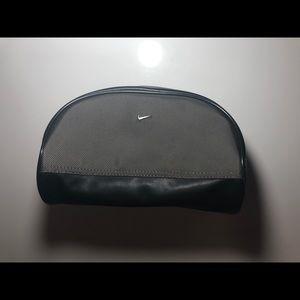 Nike Men Black & olive green travel/accessory bag